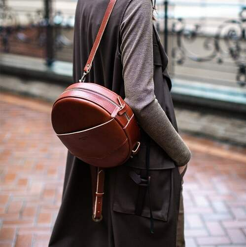 Круглая сумка-рюкзак BlankNote MAXI Коньяк 12634 - фото 1