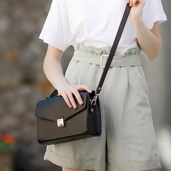 Женская кожаная сумка-кроссбоди Lola 14028 - фото 1