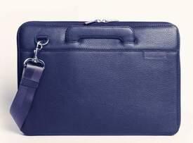 """Кожаная сумка для MacBook 13"""" Issa Hara для женщин"""