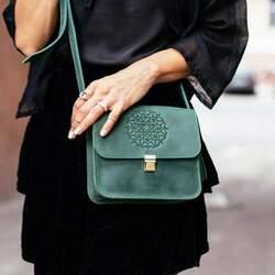 Женская изумрудная сумка Blanknote