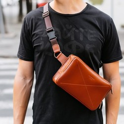 Кожаная сумка на пояс Blanknote DROPBAG MAXI